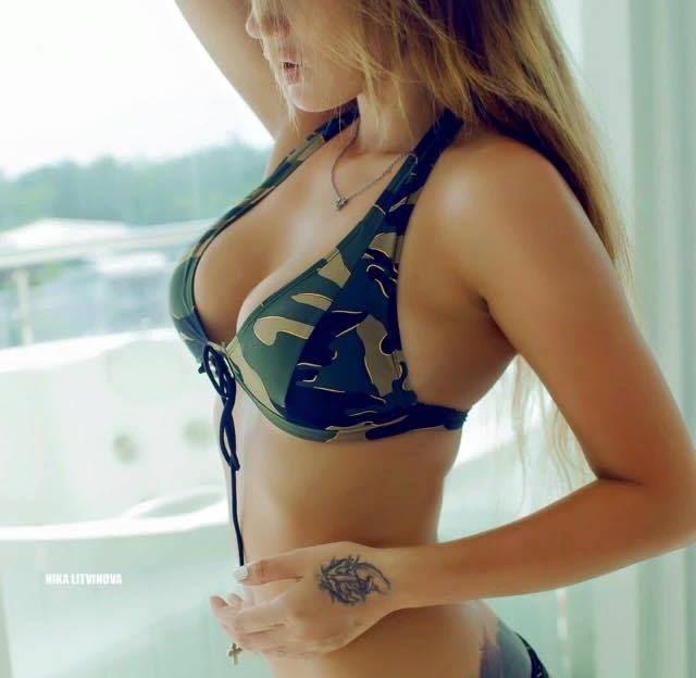 Beim Cam2Cam Sex siehst Du eine unzensierte Sexshow mit ihr