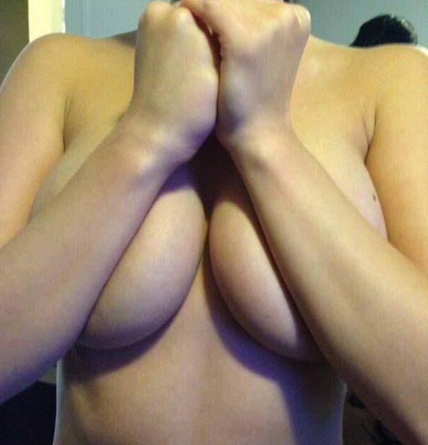 Heisse Camgirls mit dicken Möpsen lassen dich vor der webcam abspritzen